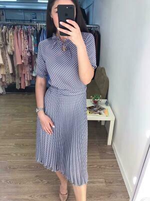 Платье миди с плиссированной юбкой