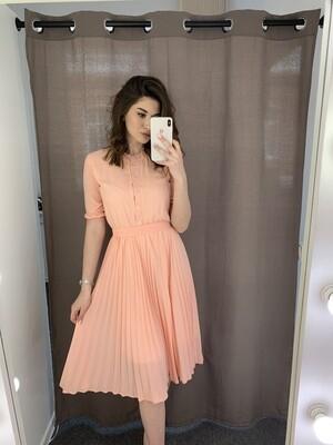 Платье миди плиссе на пуговицах
