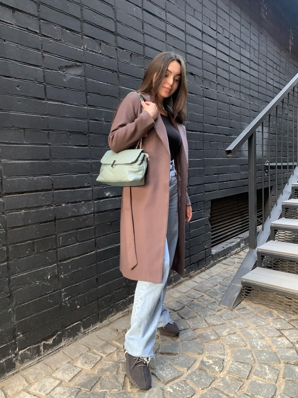Пальто с втачным рукавом