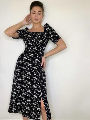 Платье миди кв. вырез в цветок короткий рукав Черный