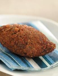 Kibinho de Carne, acompanha Coalhada Fresca