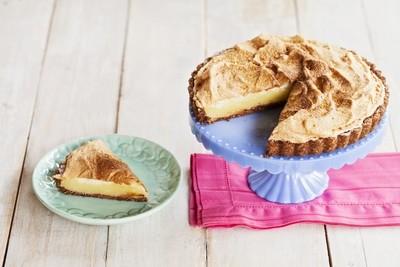 Torta de Lemon Curd e Merengue, em massas de Nozes