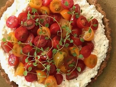 Crostata de Ricota Virgem com Colorido de Tomates ao Balsâmico