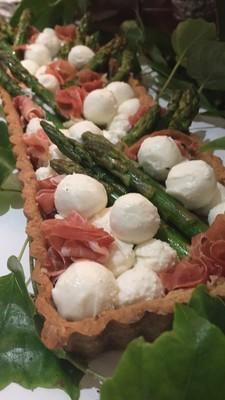 Crostata de Aspargos, Chèvre e Presunto Parma