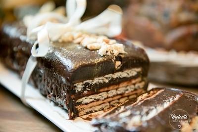 Marquise de Chocolate Meio Amargo e Biscuits