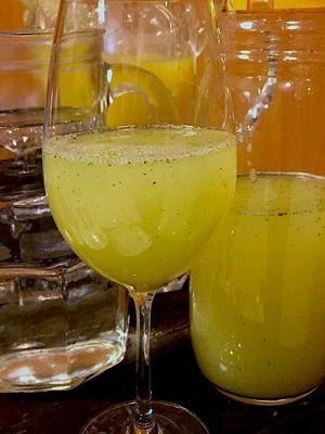 Suco de Uva Verde com Água de Coco