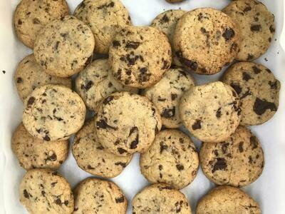 Cookies com Pedacinhos de Chocolate meio Amargo