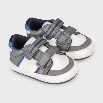 Grey Sneakers 9333