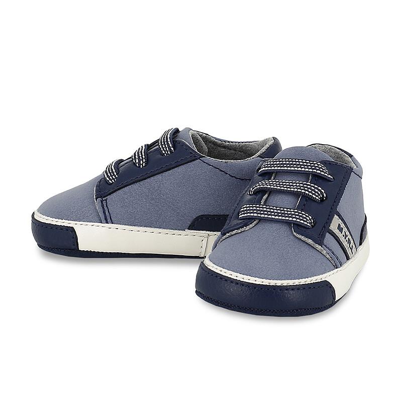 Sporty Sneakers 9451