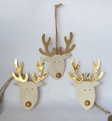 Wooden Reindeer Head hanging decorations. Set of 3