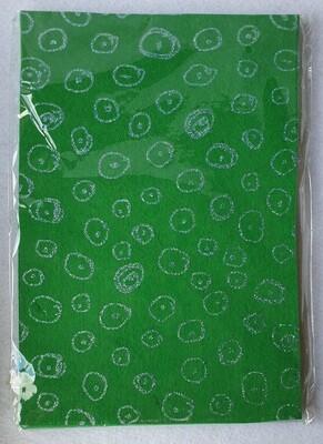 Craft felt. 10 sheet pack with glitter effect. Green.