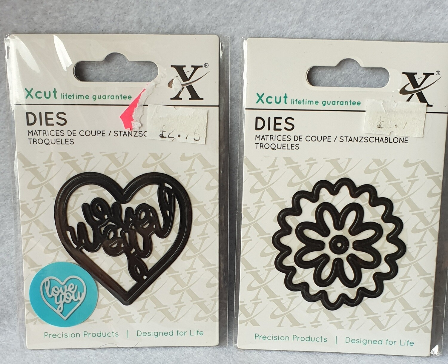 2 little cutting dies. Flowers and Love you.