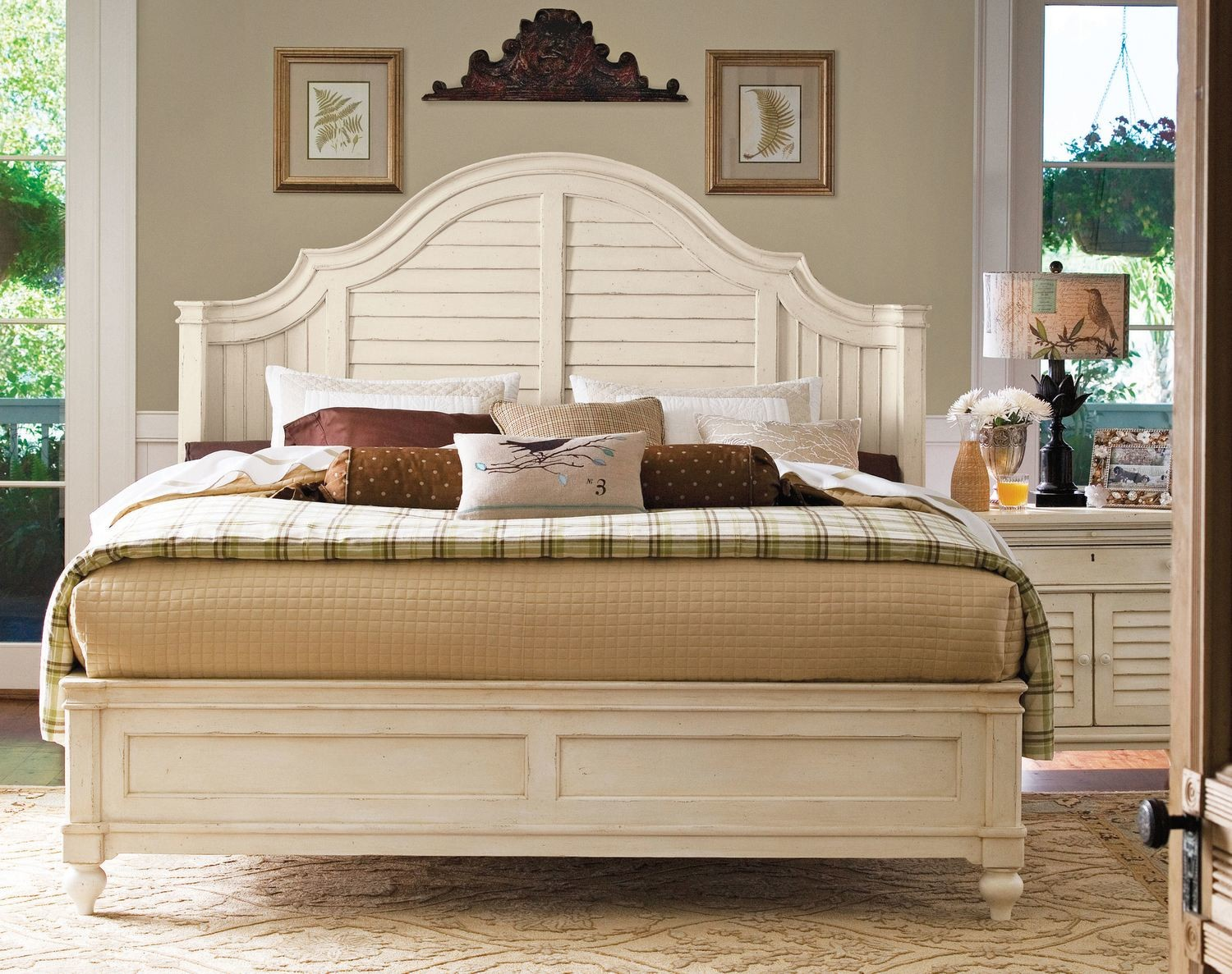 Magnolia SHELTER BED COLLECTION Linen
