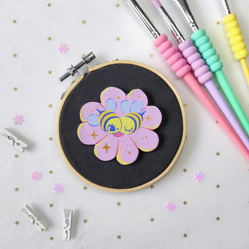 Bee Girlfriends 02 - Handmade pin/magnet