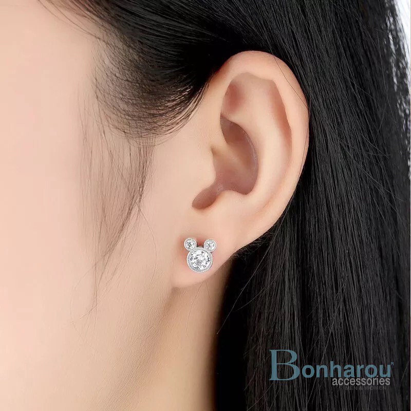 MAGIC MICKEY EARRING