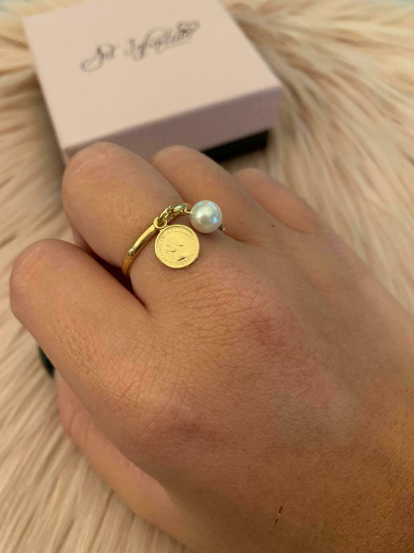 Anello regolabile con perla e moneta