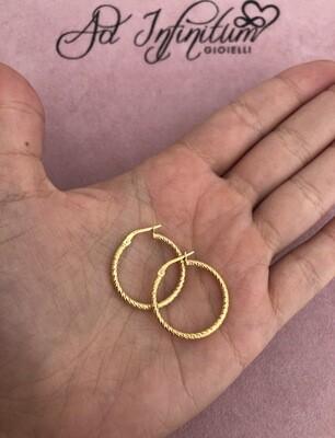 Orecchini Canna Intrecciata Diamantata 2 Cm