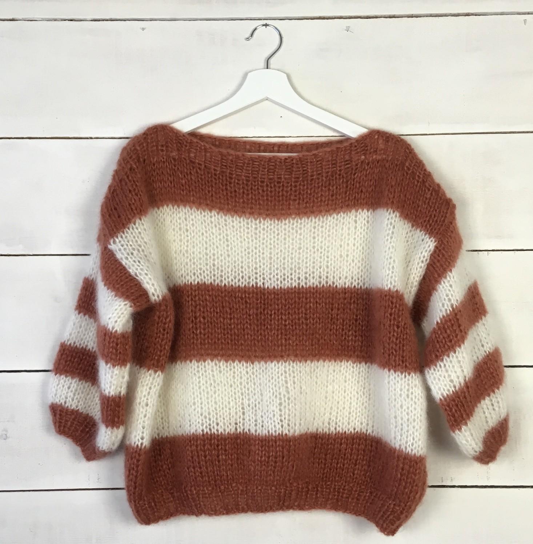 Oranje en wit gestreepte trui