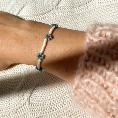 Flower armband