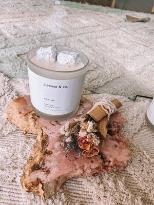 HOWLITE CANDLE
