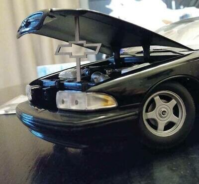 1:24 / 1:18 model car hood prop ( bow tie)