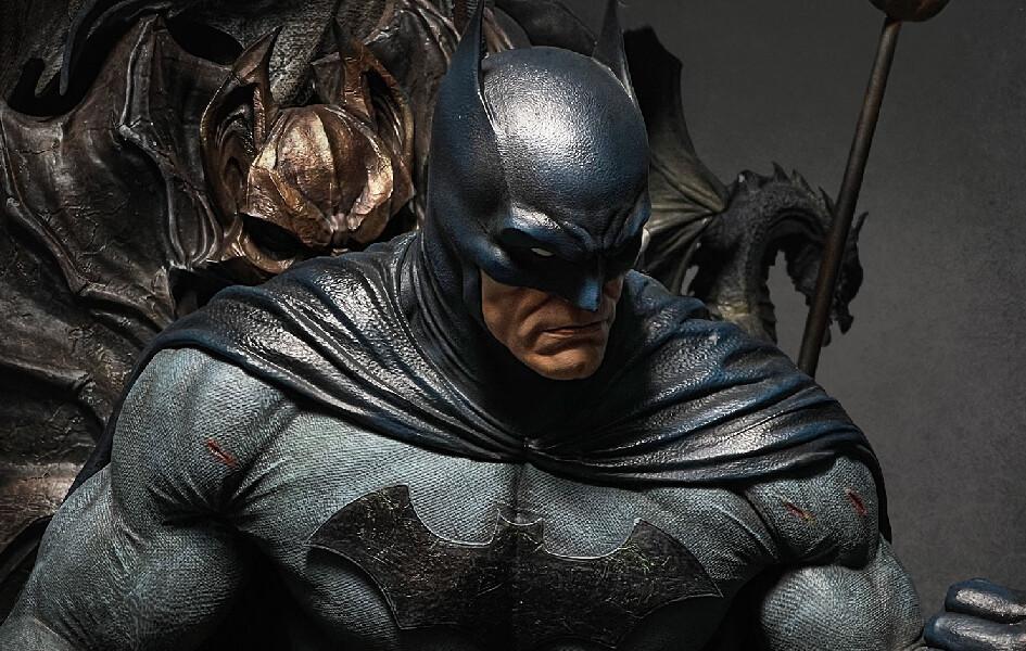 (PO) Queen Studios - Batman on Throne (Regular Version)