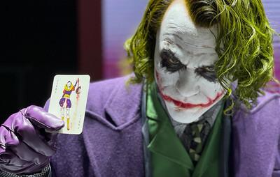 (PO) Queen Studios - Joker (Heath Ledger) Life-Size Statue