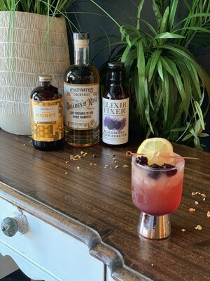 Shades of Rosé Gin Cocktail Kit Blackberry Yucatan Smash