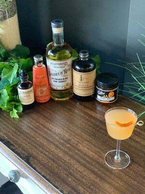 Shades of Rosé Gin Cocktail Kit: Shades & the Giant Peach
