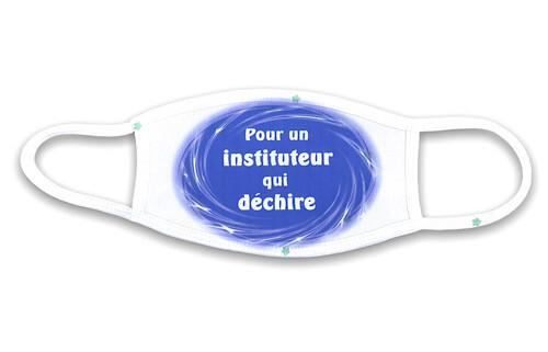 Masque pour un instituteur qui déchire