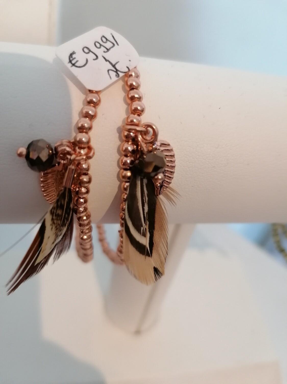 Armband - EEF - rekarmbandje met rosé gouden parels en pluimpje