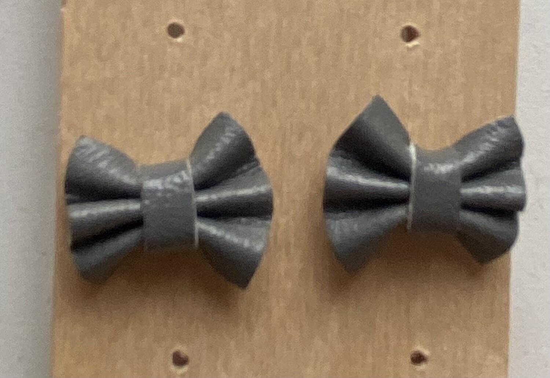 Oorbellen stekertjes - knoopjes - UNI