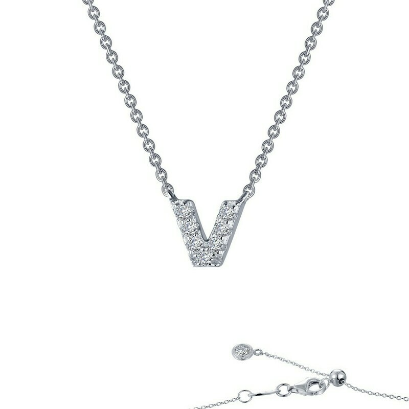 Letter V pendant necklace