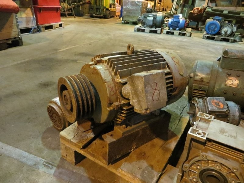 8. El motorer - 7,5kw 220v