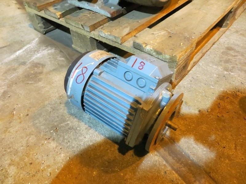18. El motorer - 1,5kw 220/380v 2870o/m