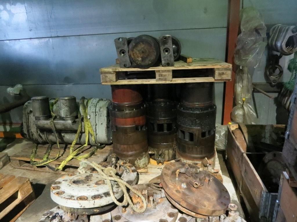 11. Hoved motorer - Wichman 7aca fra Nidarø