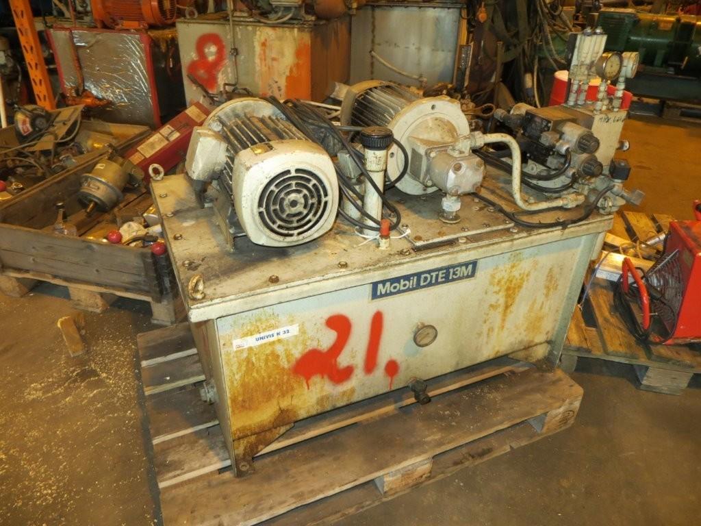 21. Hydraulik agregat - 108x68x50