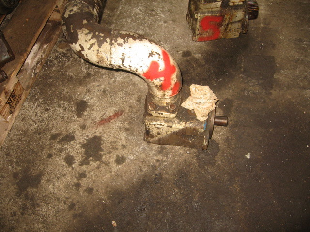 4. Hydraulik pumper - Vickers  V60A 10 10
