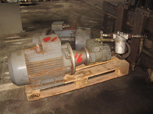16. Hydraulik pumper - Oil gear PVWH 34RSAY CNN