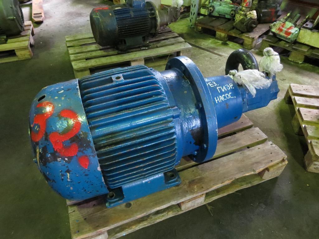 32. Hydraulik pumper -  Denison T6DCM B24 B12 1R00C1