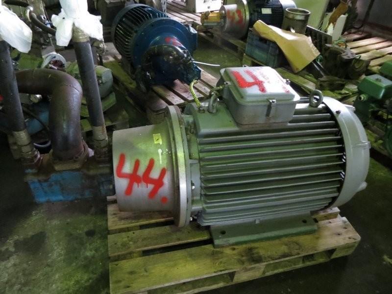 44. Hydraulik pumper - Vickers 4535 V50A25