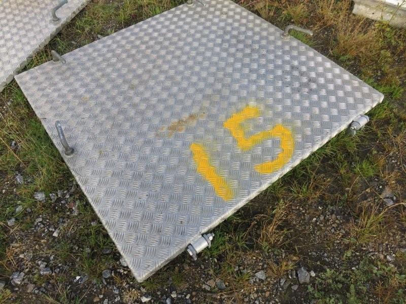 15. Luker , Nedganger & Skap - 120x120 alu/stålkarm