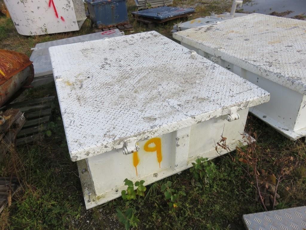 19. Luker , Nedganger & Skap - 183x120x42 alu