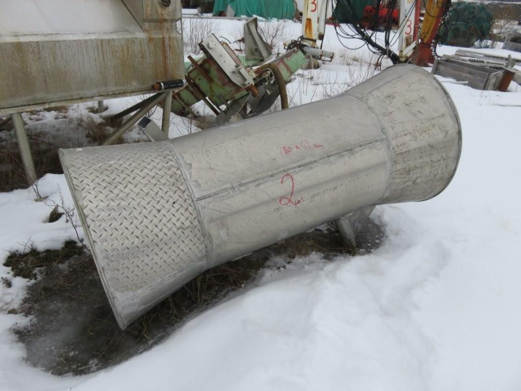 8. Not & garn utstyr, Triplex - Notrør meløypynt 180x 63 cm