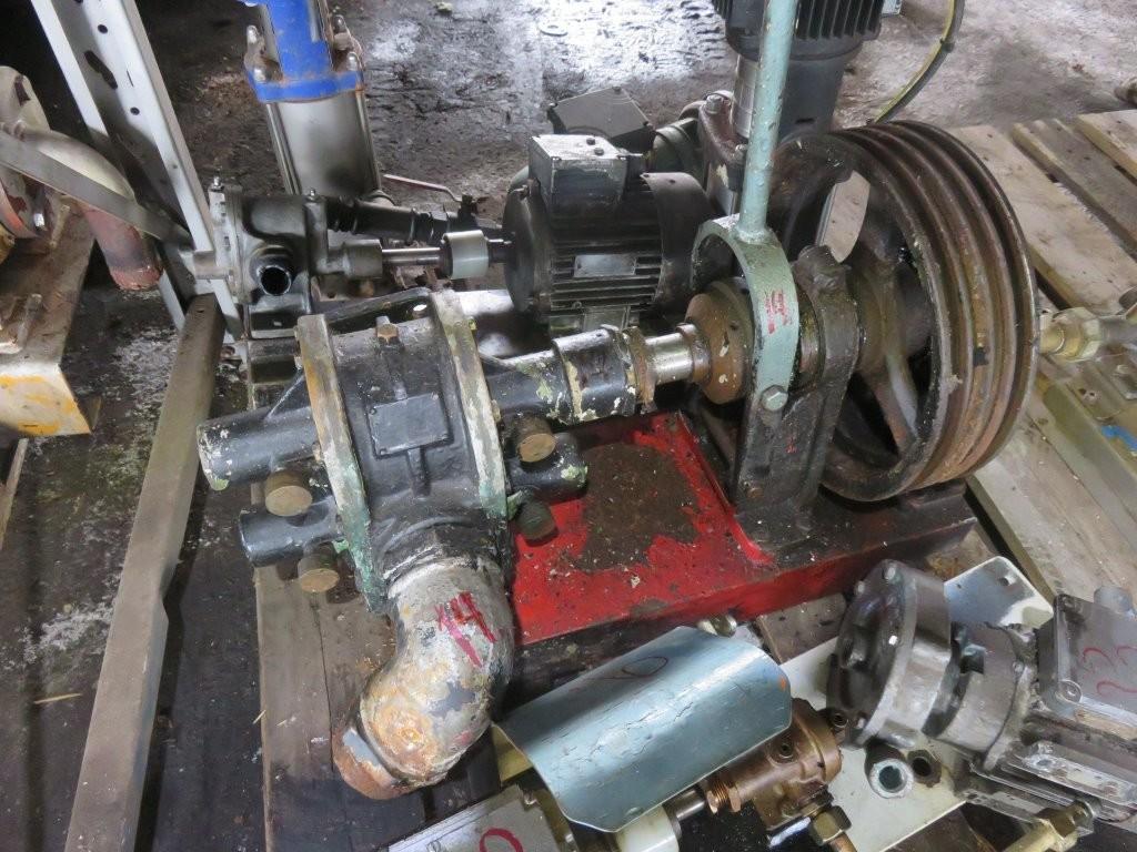 """14. Pumpe, Brann-Lense-Spyle - Delta 3""""  m/kobling Remdrevet"""