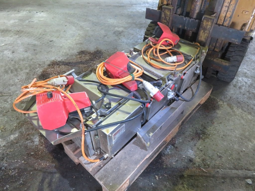 0. Sløye og sorterings maskiner - 3stk Cretel skinning machines