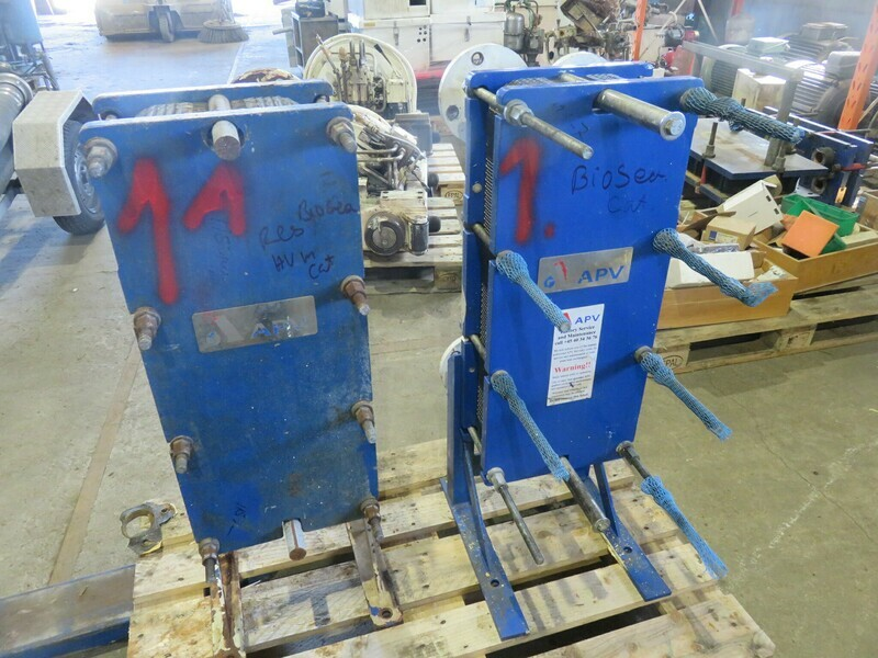 1. Varmevekslere - 2stk APV     77x33x17cm