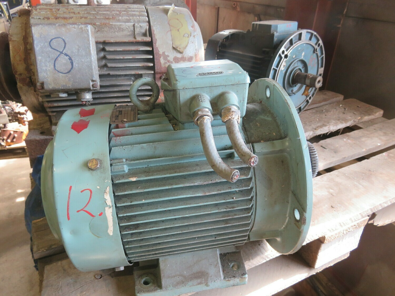12. El motorer - 5,5kw 220/380v   1440 o/m