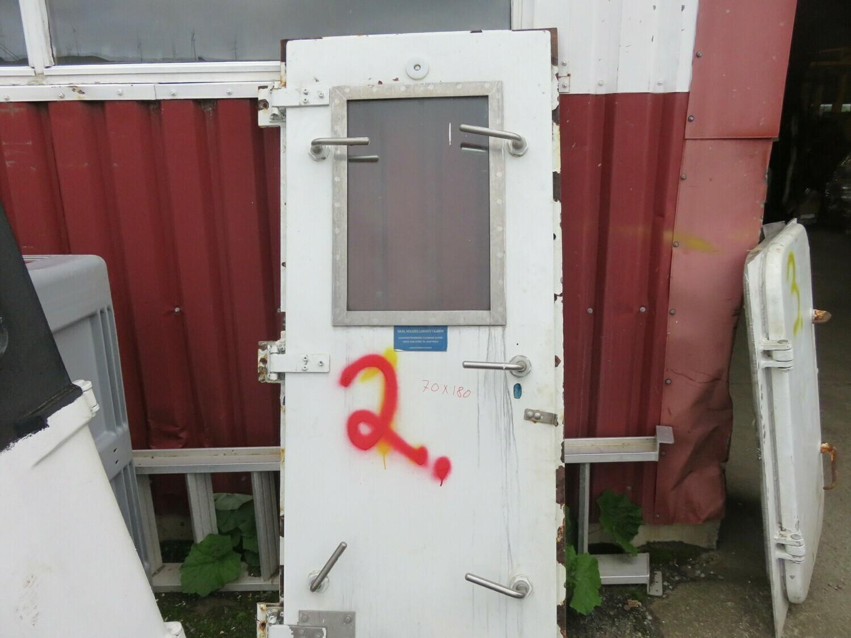 2.Dører m/ Ramme  70x180 lysåpning  Gf/ stål