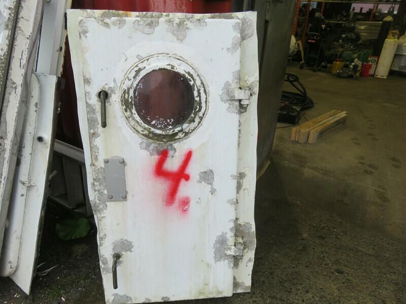 4.Dører m/ Ramme  Lysåpning 61 x 130    alu/alu